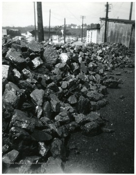 Piles of Jackhorn 5 inch block coal.