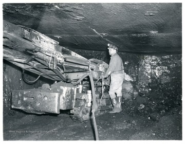 Miner using a 11 BU loading machine at Jamison No. 9. Stonega Coke and Coal.
