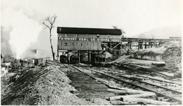 Viropa mine tipple with train to the left.