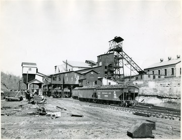 Cranberry Mine tipple and surrounding buildings.