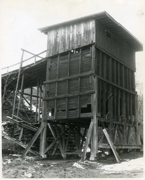 Wooden coal mining structure, Valley Camp Coal, Maiden Mine, Maidsville.