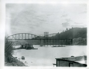 The River Bridge during construction.