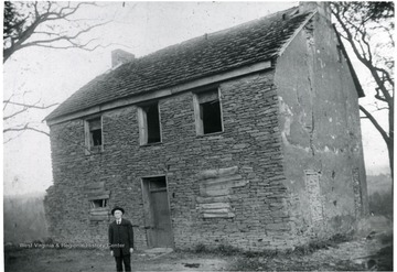 'Built by E. J. Evans's father, J. E. 'Evans' Harris in foreground.