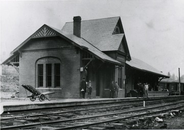 People standing in front of the Morgantown depot.