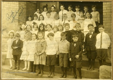 Identified in the second row is Ruth Lenhart Smith.