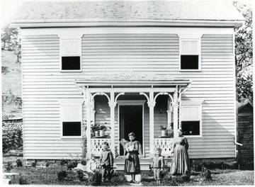 From left to right: 'Don, Elsie, Ernest, and Phoebe Meadows Byrd.'