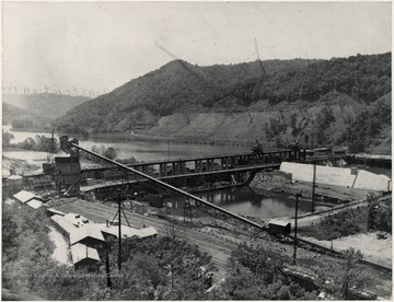 Bluestone Dam during the construction period in Summers County.