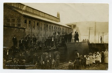 People gathering around an overturned train, Morgantown, W. Va.