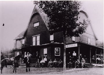The hotel burned in 1905.