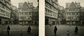 A raumbild-verlag (stereocard) of a historic Frankfurt area called Saalgasse before Germany was bombed during World War II.