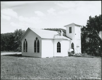 Picture showing the church building's exterior.