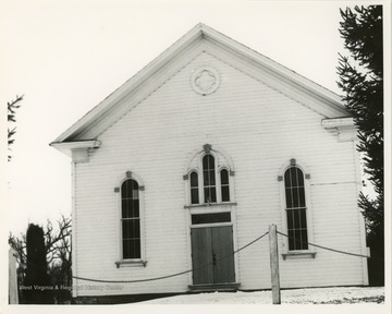 The church was founded in 1798. The name of 'tent' originated from an early temporary building used for the church.
